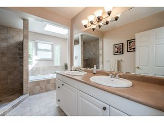 "Photo 20: 82 CLOVERMEADOW Crescent in Langley: Salmon River House for sale in ""Salmon River"" : MLS®# R2485764"