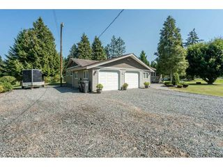 "Photo 2: 82 CLOVERMEADOW Crescent in Langley: Salmon River House for sale in ""Salmon River"" : MLS®# R2485764"