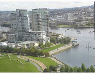 """Photo 1: 2301 455 BEACH Crescent in Vancouver: False Creek North Condo for sale in """"PARKWEST ONE"""" (Vancouver West)  : MLS®# V786427"""