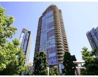 """Photo 2: 2301 455 BEACH Crescent in Vancouver: False Creek North Condo for sale in """"PARKWEST ONE"""" (Vancouver West)  : MLS®# V786427"""