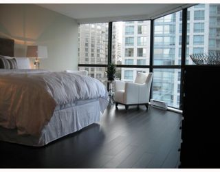 """Photo 6: 501 1415 W GEORGIA Street in Vancouver: Coal Harbour Condo for sale in """"PALAIS GEORGIA"""" (Vancouver West)  : MLS®# V810531"""