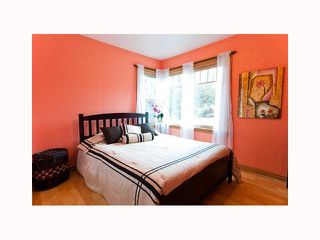 Photo 2: 2313 MARINE Drive in New Westminster: Connaught Heights House for sale : MLS®# V816549