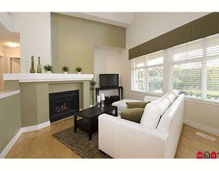 """Photo 3: 1 15450 ROSEMARY Crescent in Surrey: Morgan Creek Townhouse for sale in """"THE CARRINGTON"""" (South Surrey White Rock)  : MLS®# F2902456"""
