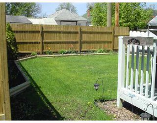 Photo 2: 228 INGLEWOOD Street in WINNIPEG: St James Residential for sale (West Winnipeg)  : MLS®# 2808845