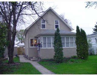 Photo 1: 228 INGLEWOOD Street in WINNIPEG: St James Residential for sale (West Winnipeg)  : MLS®# 2808845