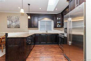 Photo 8: 2083 Longspur Drive in VICTORIA: La Bear Mountain Single Family Detached for sale (Langford)  : MLS®# 413397