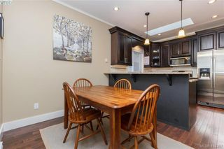 Photo 7: 2083 Longspur Drive in VICTORIA: La Bear Mountain Single Family Detached for sale (Langford)  : MLS®# 413397