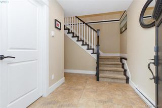 Photo 2: 2083 Longspur Drive in VICTORIA: La Bear Mountain Single Family Detached for sale (Langford)  : MLS®# 413397