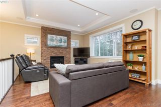 Photo 5: 2083 Longspur Drive in VICTORIA: La Bear Mountain Single Family Detached for sale (Langford)  : MLS®# 413397