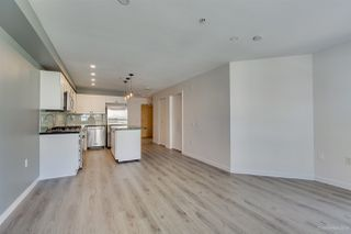 """Photo 3: 408 122 E 3RD Street in North Vancouver: Lower Lonsdale Condo for sale in """"SAUSALITO"""" : MLS®# R2393427"""