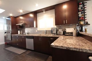 Photo 10: 3081 E 6TH Avenue in Vancouver: Renfrew VE House for sale (Vancouver East)  : MLS®# R2427949