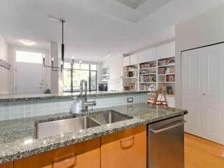 "Photo 11: 2262 REDBUD Lane in Vancouver: Kitsilano Townhouse for sale in ""ASONIA"" (Vancouver West)  : MLS®# R2428641"