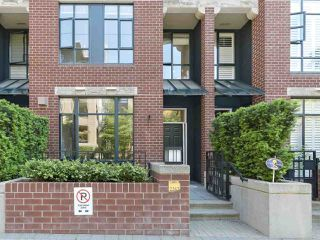 "Photo 1: 2262 REDBUD Lane in Vancouver: Kitsilano Townhouse for sale in ""ASONIA"" (Vancouver West)  : MLS®# R2428641"
