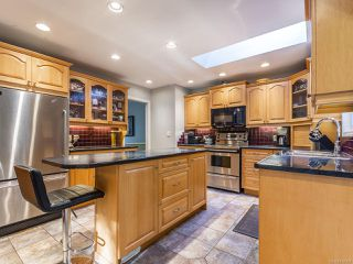 Photo 2: 802 Terrien Way in PARKSVILLE: PQ Parksville House for sale (Parksville/Qualicum)  : MLS®# 832069