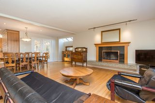 Photo 3: 4260 COLDFALL Road in Richmond: Boyd Park House for sale : MLS®# R2445614