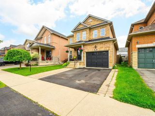 Photo 3: 1072 Sprucedale Lane in Milton: Dempsey House (2-Storey) for sale : MLS®# W4790208