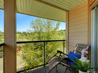 Photo 4: 409 1694 Cedar Hill Cross Rd in Saanich: SE Mt Tolmie Condo Apartment for sale (Saanich East)  : MLS®# 840053