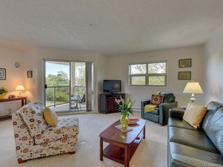 Photo 3: 409 1694 Cedar Hill Cross Rd in Saanich: SE Mt Tolmie Condo Apartment for sale (Saanich East)  : MLS®# 840053