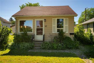 Photo 2: 42 Blenheim Avenue in Winnipeg: Residential for sale (2D)  : MLS®# 202020843