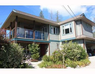 Photo 3: 6224 SUNSHINE COAST Highway in Sechelt: Sechelt District House for sale (Sunshine Coast)  : MLS®# V787565