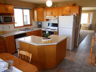Photo 2: 11 Alberhill Crescent in WINNIPEG: North Kildonan Residential for sale (North East Winnipeg)  : MLS®# 1020108
