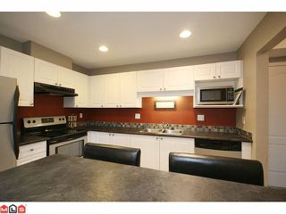 """Photo 8: 207 5765 GLOVER Road in Langley: Langley City Condo for sale in """"COLLEGE COURT"""" : MLS®# F1027777"""