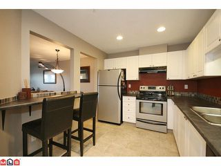 """Photo 6: 207 5765 GLOVER Road in Langley: Langley City Condo for sale in """"COLLEGE COURT"""" : MLS®# F1027777"""