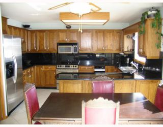 Photo 2:  in WINNIPEG: Windsor Park / Southdale / Island Lakes Residential for sale (South East Winnipeg)  : MLS®# 2903454