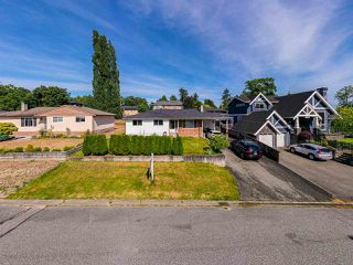 Main Photo: 7840 110 Street in Delta: Nordel House for sale (N. Delta)  : MLS®# R2477240