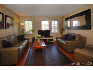 Photo 2: 205 2695 Deville Rd in VICTORIA: La Langford Proper Row/Townhouse for sale (Langford)  : MLS®# 516716
