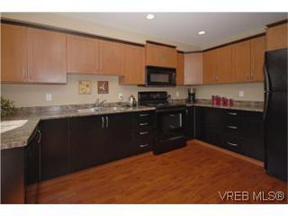 Photo 5: 205 2695 Deville Rd in VICTORIA: La Langford Proper Row/Townhouse for sale (Langford)  : MLS®# 516716