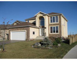 Photo 1: 3 WESTWATER Drive in WINNIPEG: Windsor Park / Southdale / Island Lakes Residential for sale (South East Winnipeg)  : MLS®# 2920605
