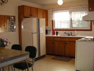 Photo 3: 272 Edelweiss Crescent in WINNIPEG: North Kildonan Residential for sale (North East Winnipeg)  : MLS®# 1007588