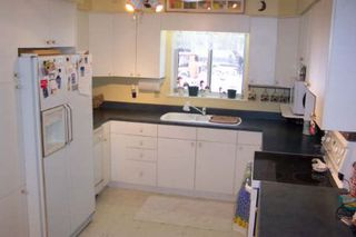 Photo 2: 69 Robinson Avenue in Kawartha L: House (Bungalow) for sale (X22: ARGYLE)  : MLS®# X1624339