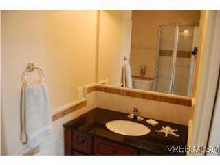 Photo 7: 1002 Arcadia St in VICTORIA: Es Kinsmen Park House for sale (Esquimalt)  : MLS®# 509884