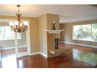 Photo 4: 1002 Arcadia St in VICTORIA: Es Kinsmen Park House for sale (Esquimalt)  : MLS®# 509884