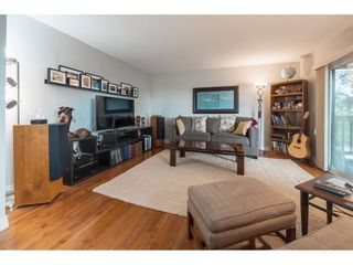 Photo 3: 1610 HEMLOCK Place in Port Moody: Mountain Meadows House for sale : MLS®# R2389571