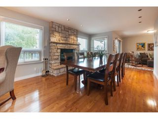 Photo 5: 1610 HEMLOCK Place in Port Moody: Mountain Meadows House for sale : MLS®# R2389571