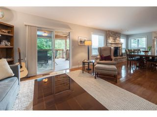Photo 4: 1610 HEMLOCK Place in Port Moody: Mountain Meadows House for sale : MLS®# R2389571