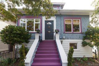 Photo 2: 481 Constance Ave in VICTORIA: Es Esquimalt Single Family Detached for sale (Esquimalt)  : MLS®# 823618