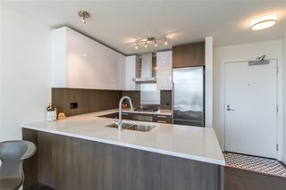 "Photo 6: 2903 3007 GLEN Drive in Coquitlam: North Coquitlam Condo for sale in ""Evergreen"" : MLS®# R2409385"
