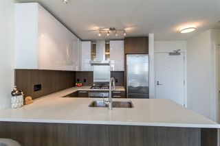 """Photo 7: 2903 3007 GLEN Drive in Coquitlam: North Coquitlam Condo for sale in """"Evergreen"""" : MLS®# R2409385"""