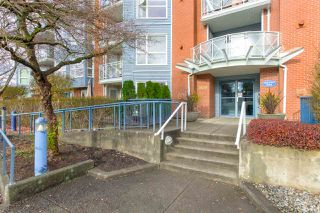 "Photo 2: 207 20245 53 Avenue in Langley: Langley City Condo for sale in ""METRO 1"" : MLS®# R2421065"