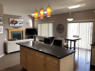 Photo 3: 924 CHAHLEY Crescent in Edmonton: Zone 20 House for sale : MLS®# E4203699