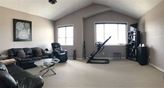 Photo 10: 924 CHAHLEY Crescent in Edmonton: Zone 20 House for sale : MLS®# E4203699