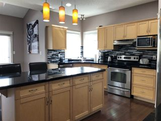 Photo 6: 924 CHAHLEY Crescent in Edmonton: Zone 20 House for sale : MLS®# E4203699