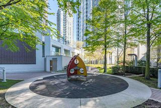 """Photo 16: 3106 583 BEACH Crescent in Vancouver: Yaletown Condo for sale in """"PARK WEST II"""" (Vancouver West)  : MLS®# R2471264"""