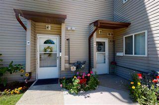 Photo 2: 19E MEADOWLARK Village in Edmonton: Zone 22 Townhouse for sale : MLS®# E4207736