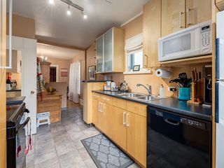 Photo 15: 909 5 Street NW in Calgary: Sunnyside Detached for sale : MLS®# A1037702