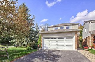 Photo 1: 74 Seaton Dr in Aurora: Aurora Highlands Freehold for sale : MLS®# N4933666